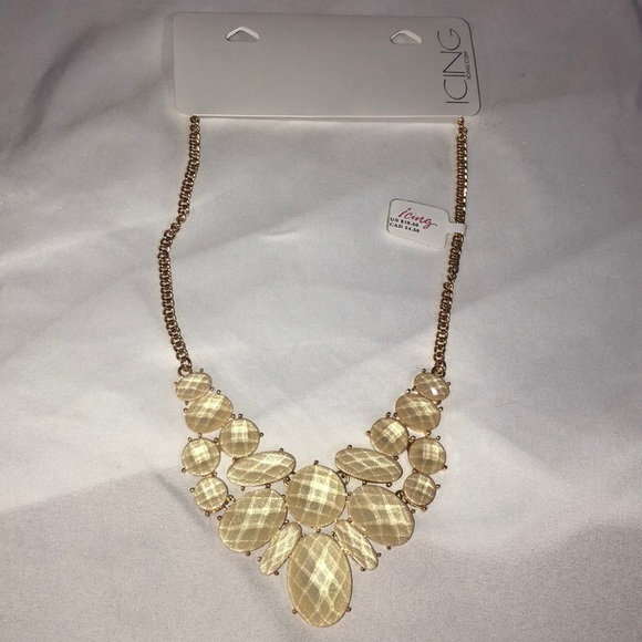 Icing Jewelry - Gold and cream statement necklace